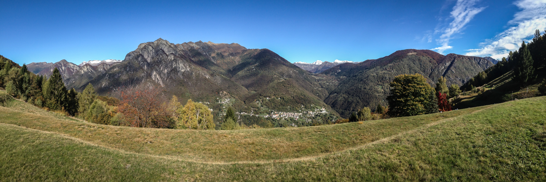 Blick von Calascio ins Onsernonetal