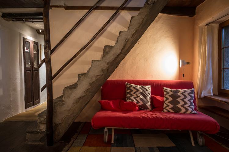 Das Wohnzimmer mit einem zusätzlichen Schlafsofa